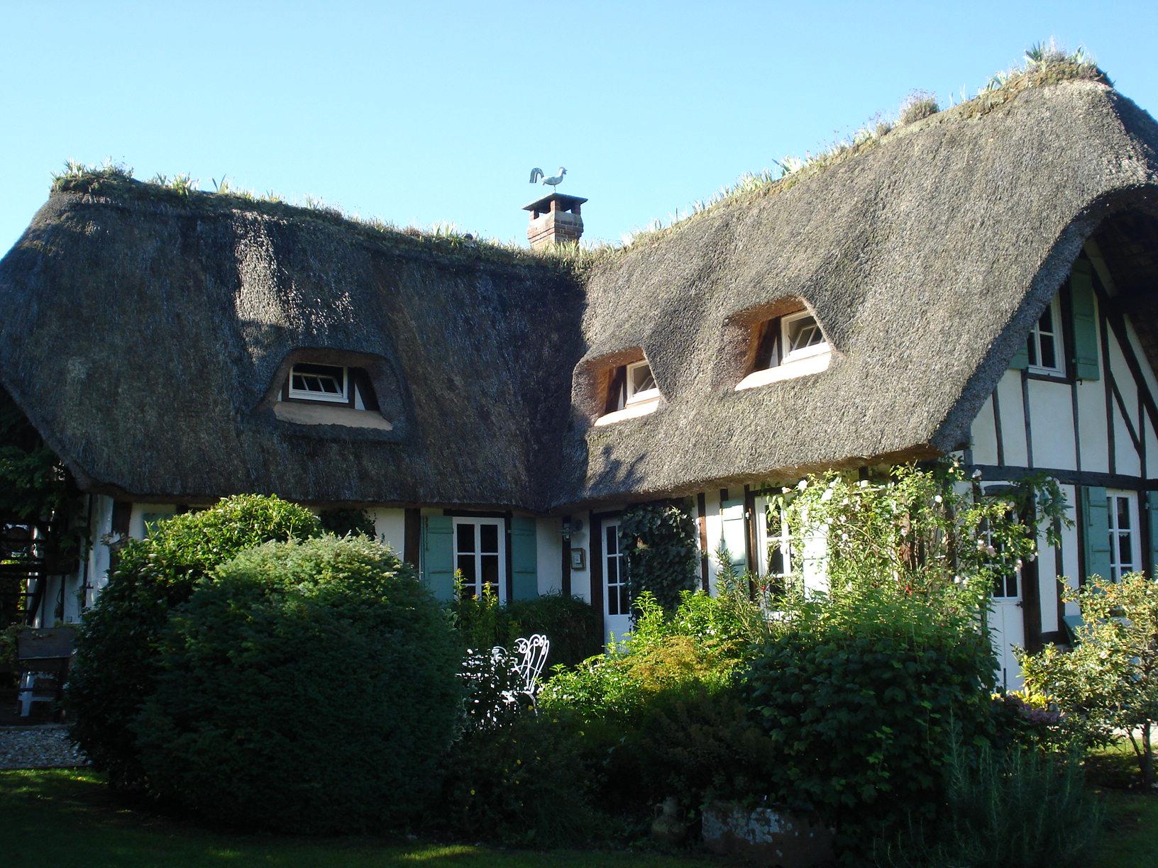 Thatched Cottage Chaumierelesiris